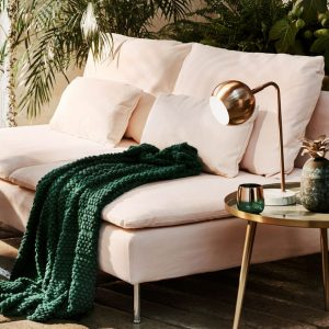 blush couch with metallics image Decor Isabelle bog